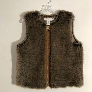 L.O.G.G. H&M  Faux fur zipper vest Sz: 8